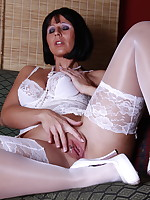 Milf masturbate in sexy white lingerie and stockings