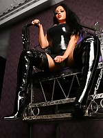 Jasmine On Throne with slave